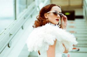 Fashionable Vintage Dresses Make You Look Like Icons of Beauty